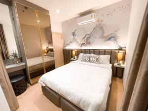 For RentCondoSukhumvit, Asoke, Thonglor : (Available) For Rent Maru Ekkamai 2, Pet friendly 🐶‼ near BTS Ekkamai, only 450 meters, fully furnished, fully furnished, ready in the corner room.