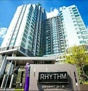 For RentCondoSukhumvit, Asoke, Thonglor : Special price during COVID only, only 15,000 !! Near BTS Thonglor just 5 minutes @Rhythm Sukhumvit 36-38.