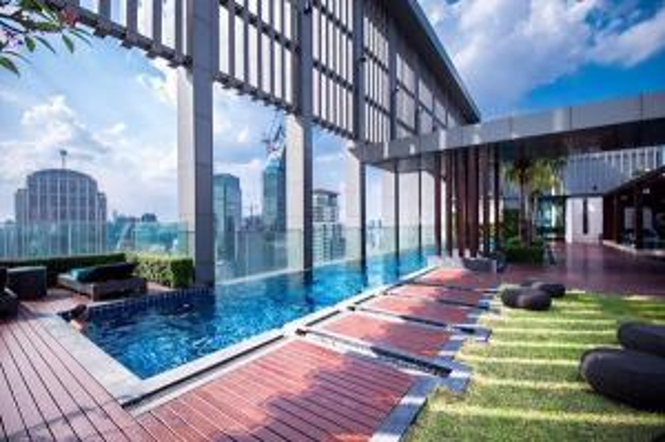 ขายคอนโดสุขุมวิท อโศก ทองหล่อ : Special 1B size 45 Super high floor, Nice view, Fully furnished, Very good conditioned Sell 7.69 MB (Near Emporium)