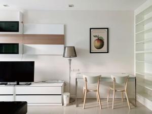 For RentCondoWitthayu,Ploenchit  ,Langsuan : SK02372 For rent O2 Hip (O2 Hip) ** BTS Ploenchit **.