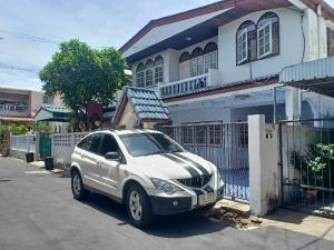 For RentHouseKasetsart, Ratchayothin : 2-storey detached house for rent, area of 80 square meters, 5 bedrooms, 3 bathrooms, partially furnished, Phahon Yothin Road, Chatuchak, after Major Ratchayothin, rental price 25,000 baht / month