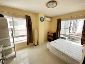 For RentCondoPattaya, Bangsaen, Chonburi : Condo for rent, Bangsaen, Soi Chan Chao, 6th floor, corner room, ready to move in.