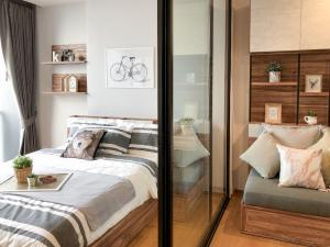 For RentCondoSathorn, Narathiwat : Condo for rent NOBLE REVO SILOM 9th floor AOL-F80-2103003649