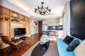 For SaleCondoSukhumvit, Asoke, Thonglor : Beautifully decorated unit, best price, cheapest. High floor, 2 bedrooms, Quattro, Thonglor.