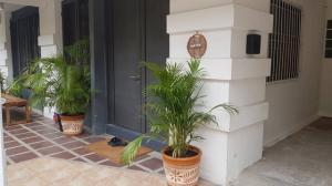 For RentTownhouseNana, North Nana,Sukhumvit13, Soi Nana : Code C3976 Townhouse for rent, beautiful decoration, Sukhumvit Road, Ekkamai 22, suitable for housing and home office.