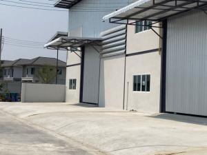 For RentWarehouseBangna, Lasalle, Bearing : Code C3969 New warehouse for rent, size 405 square meters, Bang Phli Road, Tamru, Bang Pu, Samut Prakan
