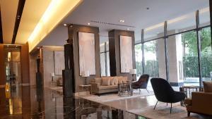 เช่าคอนโดสุขุมวิท อโศก ทองหล่อ : Great Decor ++ Luxury Condo ++ Esse Asoke ++ Available High Floor ++ Unblock View ++ @ 42000 Negotiable 🔥