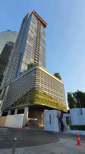 For RentCondoRama9, RCA, Petchaburi : Excellent Decor 🏠 ++ Special Price ++ Newly Renovated ++ Esse Singha Complex ++ High Floor @ 34000 🔥🚅
