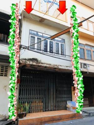 For SaleShophouseOnnut, Udomsuk : Release commercial buildings for sale Low market price, suitable to buy, speculate investment, Phra Khanong