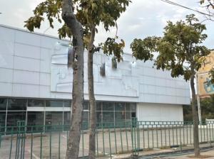 เช่าโชว์รูม สํานักงานขายพระราม 2 บางขุนเทียน : For Rent ให้เช่า Showroom , สำนักงาน พื้นที่ 1200 ตารางเมตร ริมถนนพระราม 2 ทำเลดีมาก ใกล้ Central พระราม 2 จอดรถกว่า 20 คัน