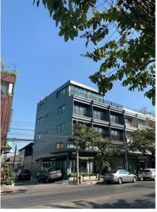 For RentShophouseKasetsart, Ratchayothin : Quick rental, a commercial building on the 5th floor of the road, Lat Phrao Wang Hin 38, with elevators on every floor, 3-phase electrical system, meter installation on every floor Renovate new, ready to move in. Suitable for office and open shop