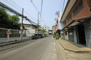 ขายบ้านปิ่นเกล้า จรัญสนิทวงศ์ : บ้านเดี่ยวจรัญสนิทวงศ์22 หลังมุม ใกล้รถไฟฟ้า MRT สายสีน้ำเงิน สถานีไฟฉาย สถานีพาณิชยการธนบุรี ใกล้ถนนใหญ่ 80 เมตร เนื้อที่ 65.5 ตร. ว