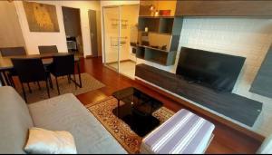 เช่าคอนโดสาทร นราธิวาส : Urgent Rent ++ Penthouse ++ Suapalai Lite ++ BTS Surasak ++ 34000 Special Price 🔥