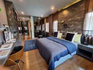 For RentHousePattanakan, Srinakarin : Burasiri Pattanakarn   4 bedroom detached house (117 sq.w.), resort style, beautiful decoration, ready to move in!