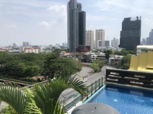 For SaleCondoRama9, RCA, Petchaburi : Supalai park Ekkamai-Thonglor for sale, 2 bedrooms, new buildin, marble tile floor.