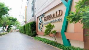 For RentCondoRatchadapisek, Huaikwang, Suttisan : Emerald Residence Ratchada, ready to move in, 33 sqm, starting price 11000 baht.
