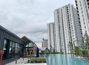 For RentCondoRatchadapisek, Huaikwang, Suttisan : Chapter One Eco Ratchada Huai Khwang, ready to move in, 31 sqm, starting price 15000 baht, make an appointment to see the room, contact Line ID: @easycondo (with @ too)