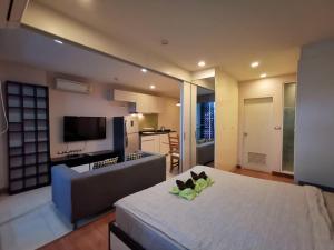 For RentCondoSukhumvit, Asoke, Thonglor : ✅ For rent, Tree Condo Ekamai, near BTS, size 40 sq m, fully furnished and electrical appliances ✅