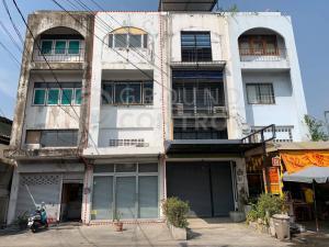 ขายตึกแถว อาคารพาณิชย์เลียบทางด่วนรามอินทรา : ขายอาคารพาณิชย์ ทำเลดี ในซอยลาดพร้าว 87 แยก 16 ทำเลดี ติดถนน