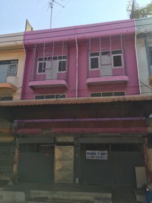 For SaleShophouseEakachai, Bang Bon : 🎉🎉🎉 Announcement for sale of 3-storey commercial buildings and 2 floors adjacent to a total of 3 booths !!!!! Area 72 square meters, usable area of more than 670 square meters, the owner sells by himself, the price is only 11.9 million !!!!! (17,700 baht