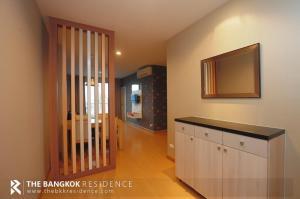 For RentCondoRatchadapisek, Huaikwang, Suttisan : Life Ratchada-Huaikwang Rent a big room, 64 sq m, only 20,000 baht, 2Bed 2Bath, near Mrt Huai Khwang.