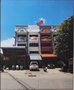 For SaleShophouseBang kae, Phetkasem : 3-storey commercial building with mezzanine floors, Nong Khaem - next to the southern side of Phasi Charoen canal road.