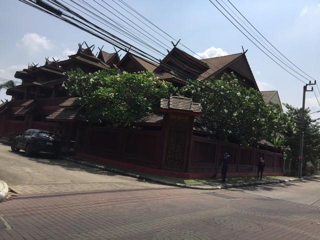 ขายบ้านมีนบุรี-ร่มเกล้า : ขายบ้านเดี่ยว ทรงไทย พาร์คเวย์ ชาเล่ต์ รามคำแหง 190/1 หลังมุม 168 ตร.ว เขตมีนบุรี ใกล้บิ๊กซีรามคำแหง