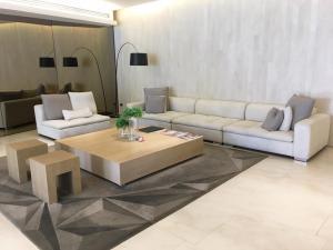 For RentCondoSilom, Saladaeng, Bangrak : For rent luxury condo 1 bedroom size up to 65 square meters