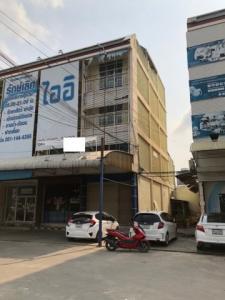 For RentShophouseChengwatana, Muangthong : Commercial building for rent on Pak Kret Road Bypass  Near Samakkhi Road good value