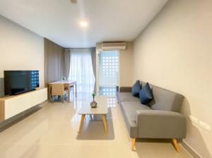 For RentCondoRama9, RCA, Petchaburi : Condo for rent, 1 bedroom 56 sq m, newly decorated with bathtub