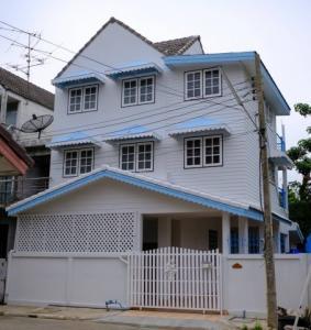 For SaleTownhouseChengwatana, Muangthong : Sell townhome 30 sqm at Changwattana