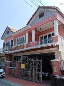 For RentHouseRamkhamhaeng Nida, Seri Thai : House for rent Wide area, Kiti Niwet Ramkhamhaeng 68 Village, 3 bedrooms, 3 bathrooms, a new house renovated.