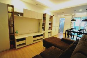 เช่าคอนโดพระราม 9 เพชรบุรีตัดใหม่ : ให้เช่าคอนโด ศุภาลัย ปาร์ค อโศก-รัชดา 1 ห้องนอน เฟอร์ครบ ชั้นสูง