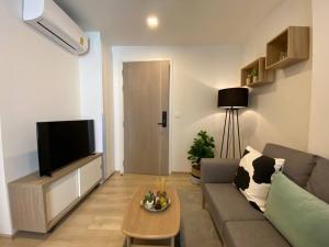For SaleCondoOnnut, Udomsuk : Urgent sale, drop room, reserve Chambers onnut, free furniture, transfer fee, 1 bedroom, special size 36 sqm. 4.05 million