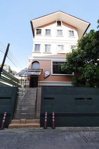 For RentShophouseRama 8, Samsen, Ratchawat : For rent, 3-storey home office, Ari area, Soi Phahon Yothin 6, near BTS Ari.