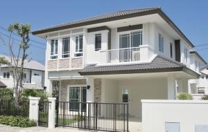 For RentHouseYothinpattana,CDC : AE64115 2 storey detached house for rent, corner plot, Baan Manthana Rama 9 - Srinakarin 74 sq m, 3 bedrooms, 3 bathrooms, fully furnished.