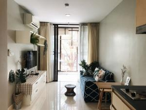 For SaleCondoWongwianyai, Charoennakor : AE64112 Condo for sale, Ideo BluCove Sathorn, corner room, area 36.77 sq m, 1 bedroom, 1 bath, fully furnished.