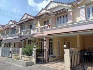 For SaleTownhouseBangbuathong, Sainoi : Townhouse for sale Thip Phiman Garden, Ban Kluai Road, Sai Noi, near Seven, Big C, Amazon, near Bang Yai market.