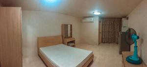 ขายคอนโดรัชดา ห้วยขวาง : ขายคอนโด Ratchada City 18 ห้องชั้น 8 พร้อมเฟอร์เดินทางสะดวกใกล้ MRT (S2033)