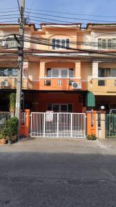 For SaleTownhouseChengwatana, Muangthong : Selling loss, 3-storey townhouse, Piamsuk village (Wat Koo), 3 bedrooms, 2 bathrooms, 2 living rooms, urgent sale