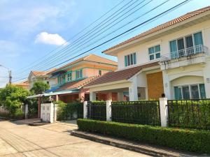 For RentHousePinklao, Charansanitwong : Perfect place Ratchapruek Village> Beautiful single house with furniture and air Can ask
