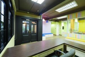 For RentTownhouseAri,Anusaowaree : LBH0039 3-storey building for rent near bts Ari located in Soi Phaholyothin 6.