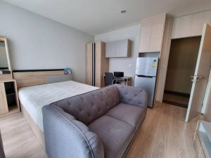 For RentCondoRatchadapisek, Huaikwang, Suttisan : Noble revolve Ratchada for rent, Studio room, 1 bathroom, size 23 sq.m., 9th floor, furniture and electrical appliances.