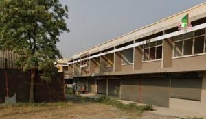 For SaleShophouseSaraburi : Commercial building, 8 booths, hit through 136 square wa. Opposite Debsirin School, Saraburi.