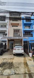เช่าตึกแถว อาคารพาณิชย์พัฒนาการ ศรีนครินทร์ : ให้เช่า ตึกอาคารพานิชย์ เหมาะทำ ออฟฟิตและพักอาศัย ตึกอยู่ตรงข้ามห้างซีคอน ศรีนครินทร์
