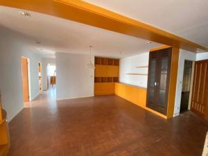 ขายคอนโดสีลม ศาลาแดง บางรัก : Silom Suites Hot Price for sale . 3 bed 2 bath .  Size 114 sqm Price 13,200,000 baht. High floor .