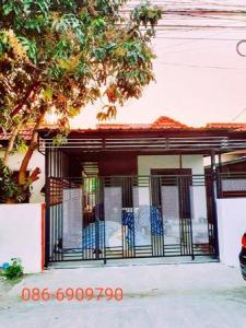 For SaleHouseRamkhamhaeng,Min Buri, Romklao : Urgent sale, detached house, Kittichai Villa 7, very cheap, 27.3 square wa. 2 bedrooms are available.