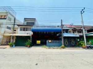 For SaleTownhouseRangsit, Patumtani : 2-storey townhouse with roof deck 40 square meters, width 8 meters, Rangsit Klong 3