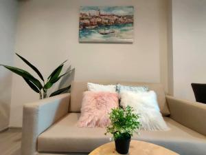 เช่าคอนโดพระราม 9 เพชรบุรีตัดใหม่ : CC149 : Life Asoke Rama 9 For Rent