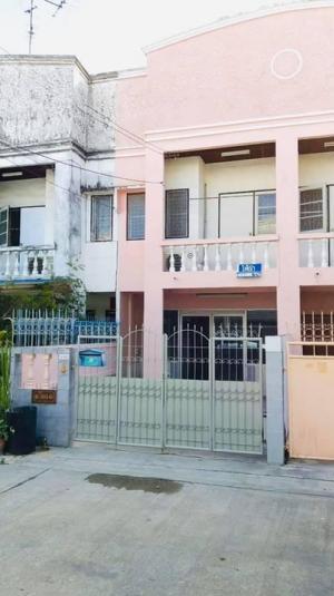 For RentHouseSamrong, Samut Prakan : Rent a townhouse, beautiful renovated, Soi Si Dan 15.